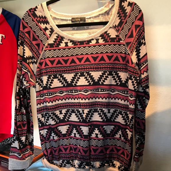 Sweaters - Long sleeve knit top